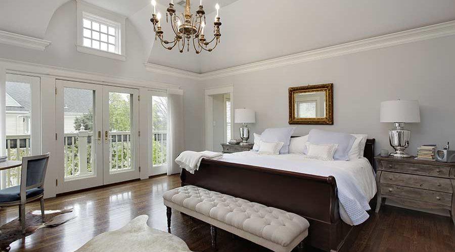 bigstock-Master-bedroom-in-luxury-home--179795092